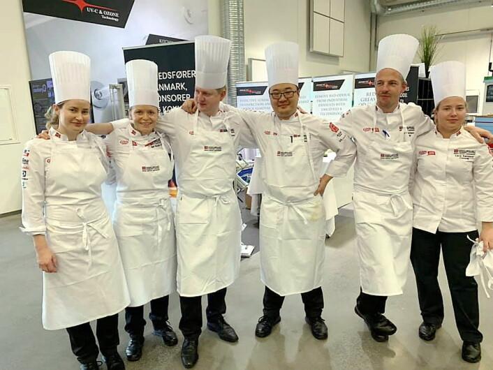 Kokkelandslaget Community Catering testet nylig formen mot Danmark. Commis Lava Aarsland til høyre i bildet. (Foto: NKL)