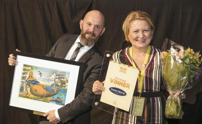«Årets leverandør» ble Santa Maria. Prisen ble mottatt av Siri Eng og Yngve Storrø. (Foto Sjo og Floyd)