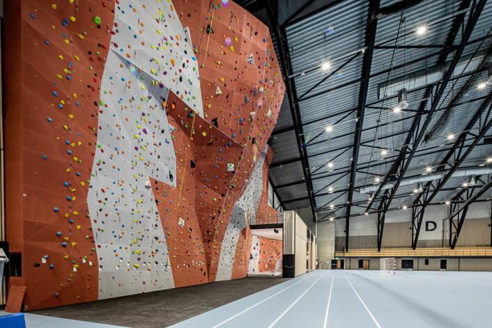 Klatrevegg på opptil 15 meters høyde og egen buldresone i Oslofjord Arena. (Foto: Oslofjord Convention Center)