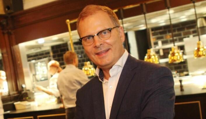 Arne Sørvig, daglig leder for Bocuse d'Or Norge, deltar en en debatt om hvordan merkevaren «Matnasjonen Norge» kan bygges internasjonalt. (Foto: Morten Holt)