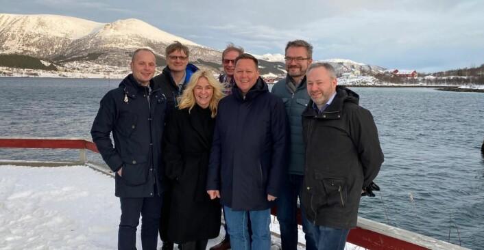 Franchise- og prosjektdirektør Katri Inkerø og hotelldirektør og prosjektleder Yngve Skog Rodal sammen med resten av gjengen i Hotel Richard With AS. (Foto: Quality Hotel)
