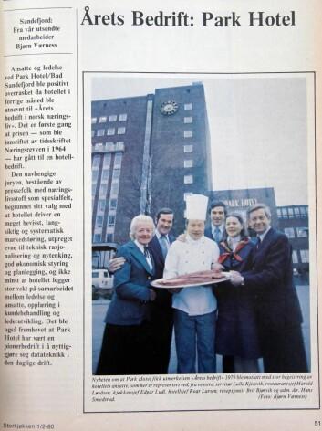 Edgar Ludl og andre ledere på Park Hotel etter at hotellet ble kåret til Årets bedrift. (Faksimile fra Storkjøkken)
