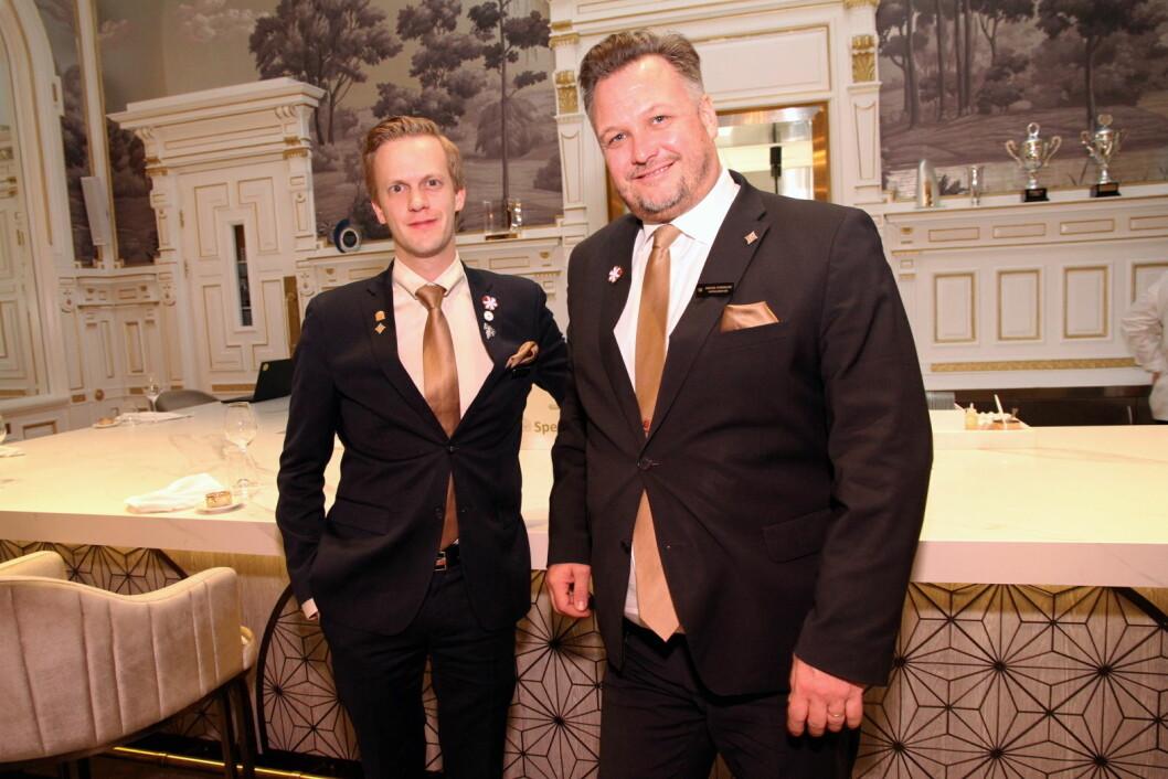 Sjefssommelier for Speilsalen, Henrik Dahl Jahnsen, sammen med hotelldirektør på Britannia Hotel, Mikael Forselius. Speilsalen var en av fire nye norske stjernerestauranter. (Foto: Morten Holt)