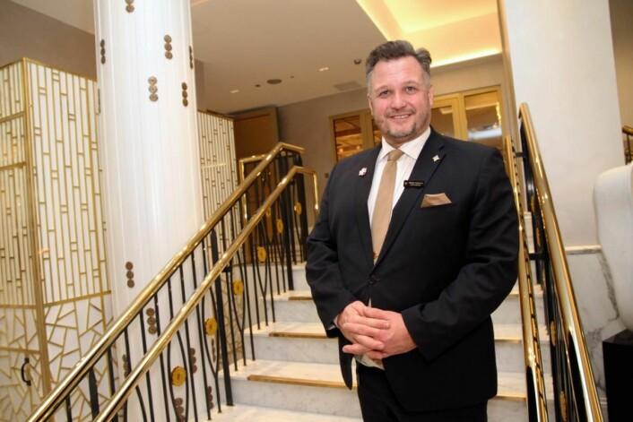 <strong>– </strong>Dette er helt vilt, sier hotelldirektør Mikael Forselius om alle utmerkelsene og hederen til hotellet. (Foto: Morten Holt)