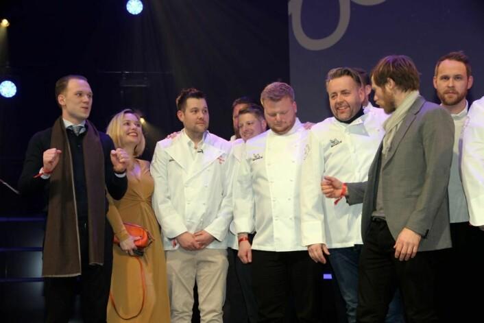 Flere av stjernevinnerne på scenen i Olavshallen mandag kveld. (Foto: Morten Holt)