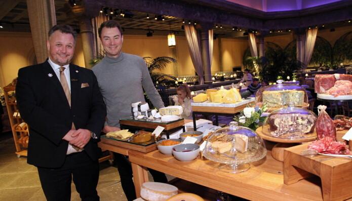 Hotelldirektør på Britannia Hotel, Mikael Forselius og partner i 2080, Ole Henrik Eftedal, i Palmehaven. (Foto: Morten Holt)