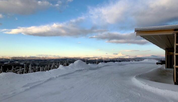 Foran restauranten skal det bygges en terrasse som skal ha plass til 250 personer. (Foto: Nermo Hotell/Alpinco)