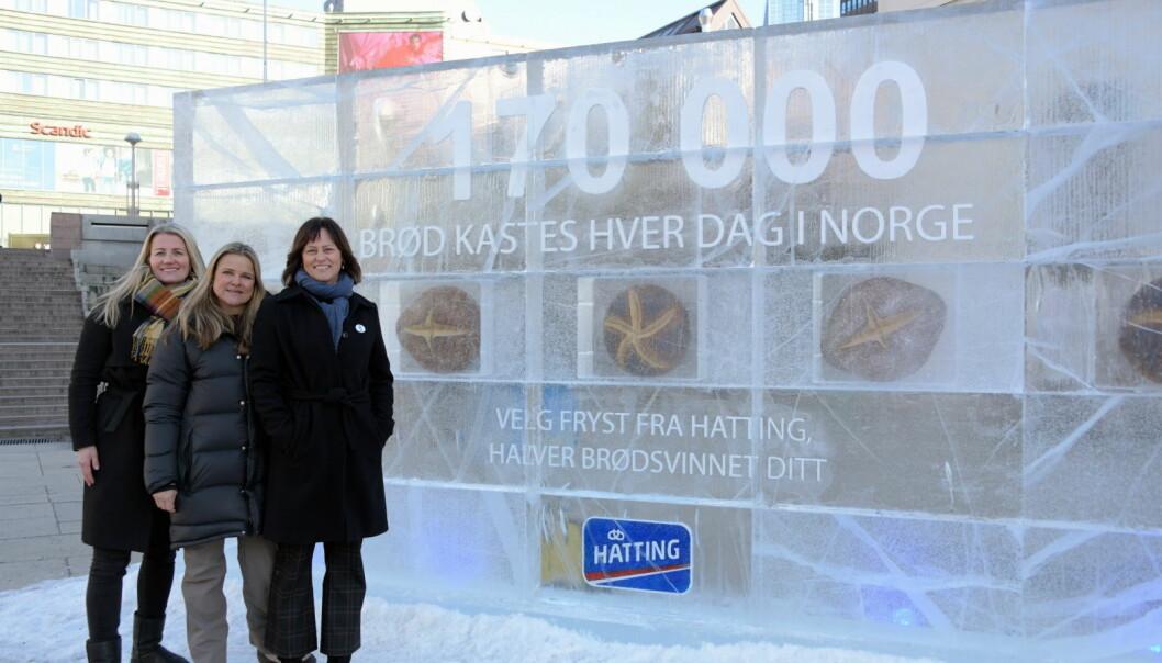 Fra venstre Elin Renbjør (markedssjef, Lantmännen Unibake Norway) Aina Hagen (markeds- og innovasjonsdirektør, Lantmännen Unibake Norway) og Anne Marie Schrøder (kommunikasjonssjef, Matvett). (Foto: Hatting)