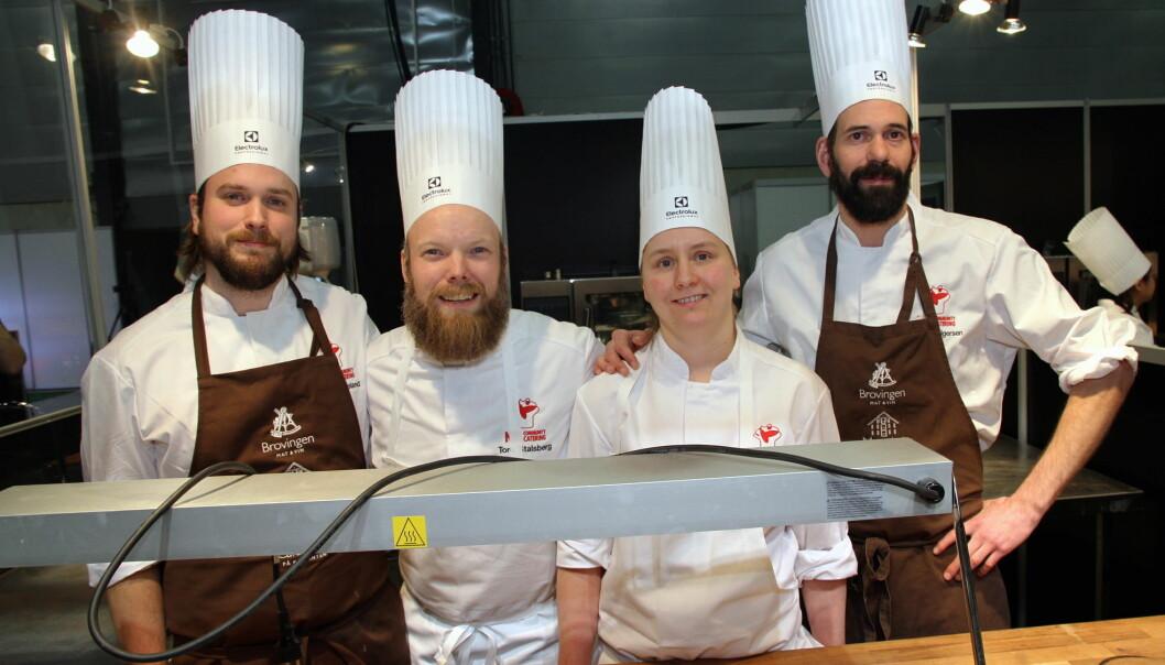 Laget fra Scandic Maritim Catering er ett av de tre lagene som er klare for finalen i NM Community Catering 2020. Roger Veland (fra venstre), Tore Stalsberg, Stine Strand og Morten Holgersen er med på laget. (Foto: Morten Holt)
