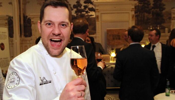 Christopher W. Davidsen, som nylig fikk en Michelin-stjerne for sin innsats i Speilsalen på Britannia Hotel, deltar på Årets kokk-dagen. (Foto: Morten Holt)