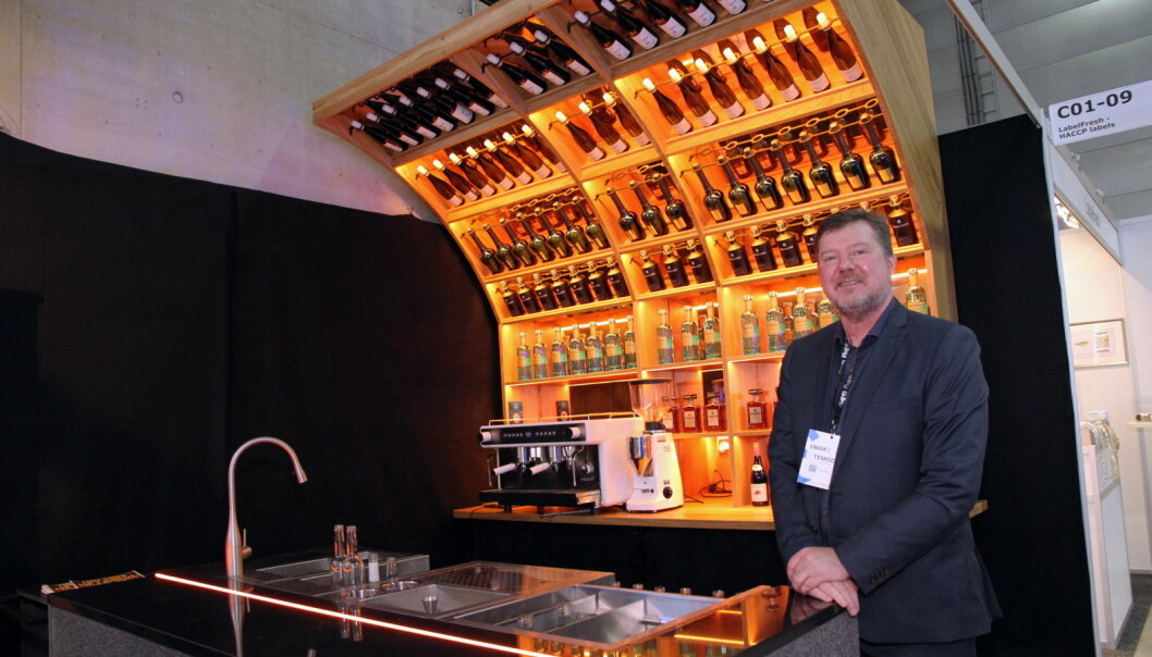 Temoco og Morten Hovde Larsen presenterer en iøynefallende bar (Foto: Morten Holt)