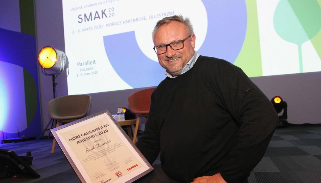 Horecabransjens Ærespris 2020 til Bent Stiansen. (Foto: Morten Holt)