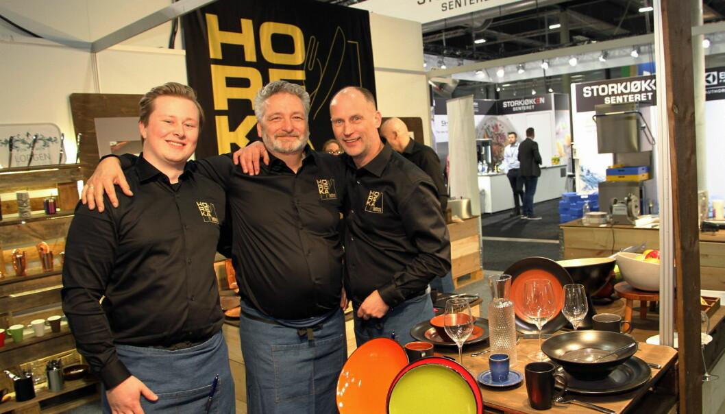 Carl E. Jørgensen Bakkeli (fra venstre), Lars Petter Hannestad og Jo Nørdstenes hos Horeka. (Foto Morten Holt)