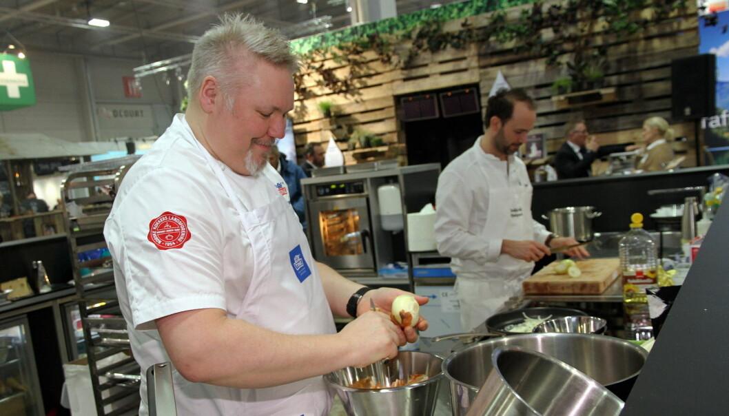 Pål Jetmundsen hos Tine Partner har fått god hjelp av Bocuse d'Or-vinner Ørjan Johannessen. (Foto: Morten Holt)