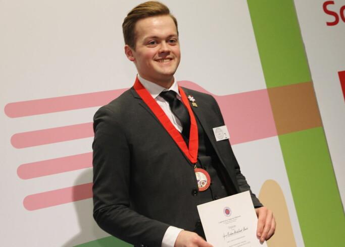 Arne Kristian Birkelund Bævre fra Speilsalen skal representere Norge i den internasjonale finalen av Jeunes Sommelier i Paris til høsten. (Foto: Morten Holt)