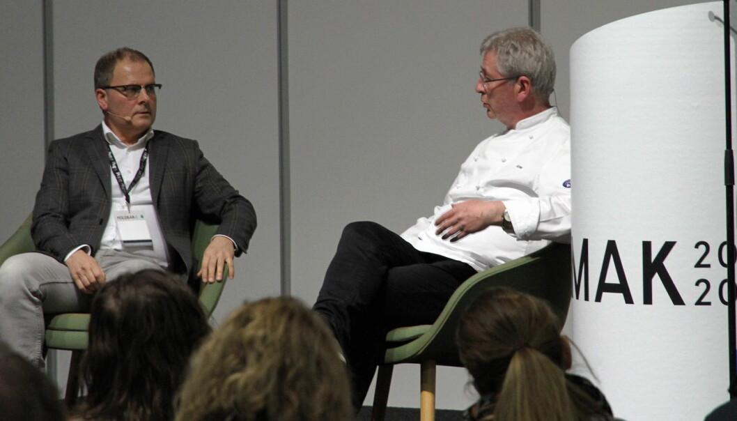 Fra Årets kokk-dagen. Arne Brimi blir intervjuet av Arne Sørvig. (Foto: Morten Holt)