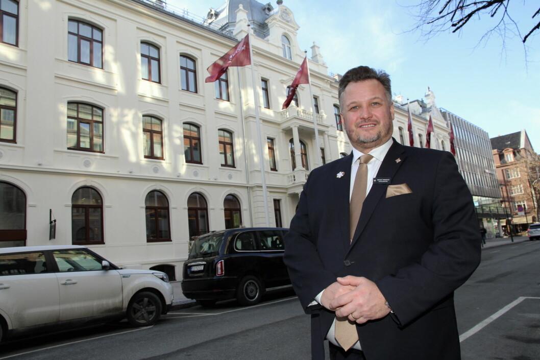 Natt til mandag 16. mars hadde ikke Britannia Hotel en eneste gjest. Klokka 12 i dag stenges hotellet, sier hotelldirektør Mikael Forselius. (Foto: Morten Holt)