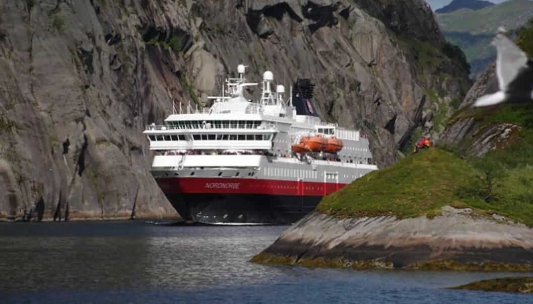 Hurtigruten permitterer ytterligere 2600 ansatte. (Foto: Hurtigruten)