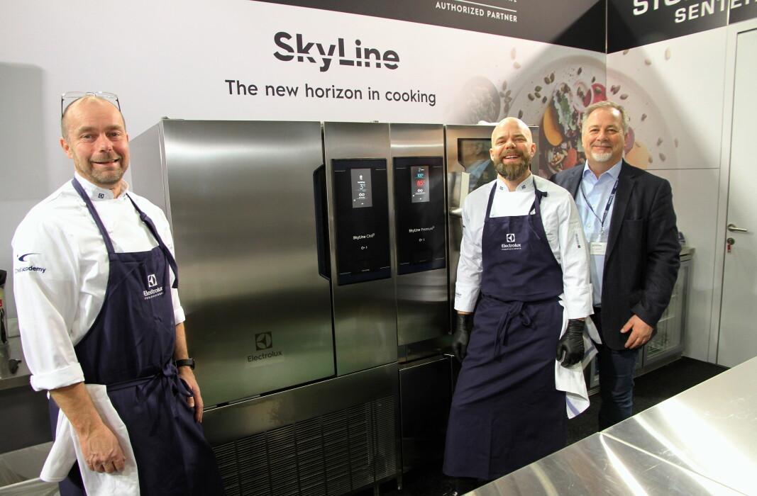 Torbjørn Nilsson (til venstre) er en av de tre som har utviklet Skyline. Videre Christen Stray og Knut R. Johannessen fra Electrolux Professional i Norge. (Foto: Morten Holt)