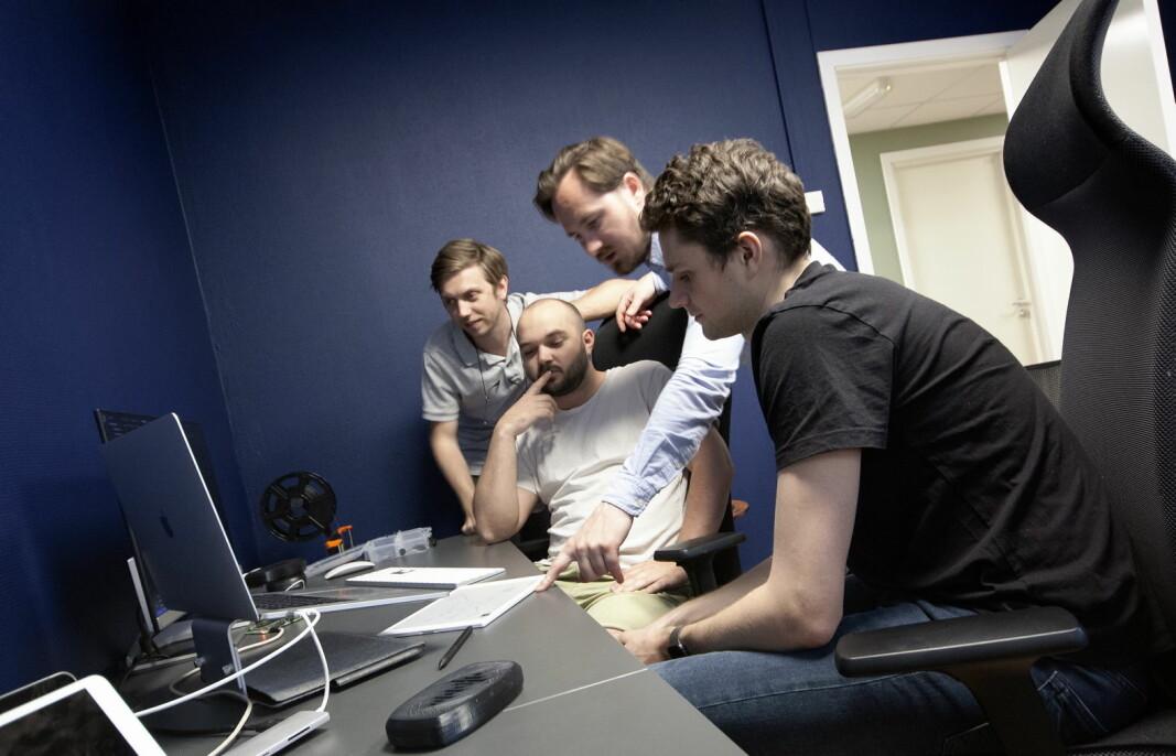 Teamet i Waved: Daniel Harper (daglig leder), Fredrik Sande, Jonas Andersen og Endre Hauge Paulsen. (Foto: Waved)