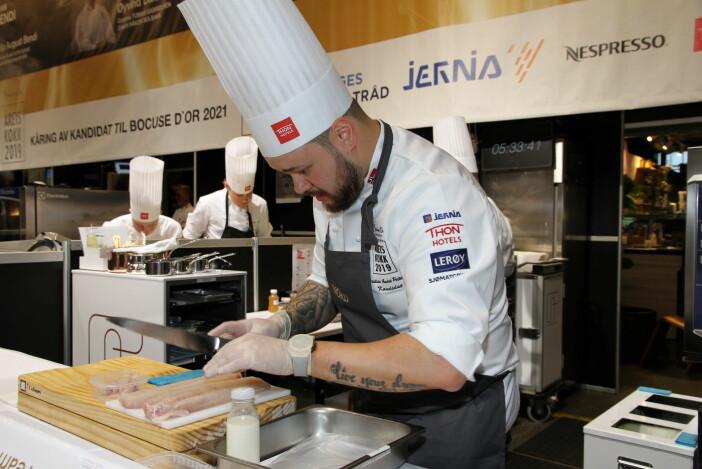 Christian A. Pettersen i aksjon i Årets kokk. (Foto: Morten Holt)