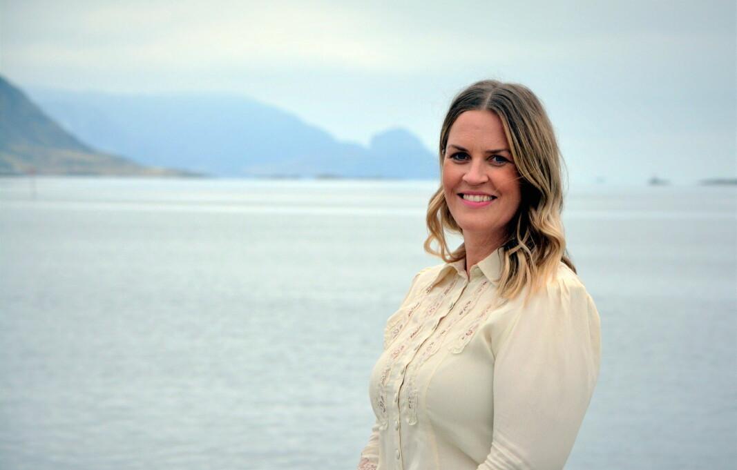 Camilla Løvlien er oppvokst i Løten på Hedmarken. Nå skal hun gi gjestene om bord i Havila Kystruten magiske øyeblikk på verdens vakreste kystreise. (Foto: Havila Kystruten