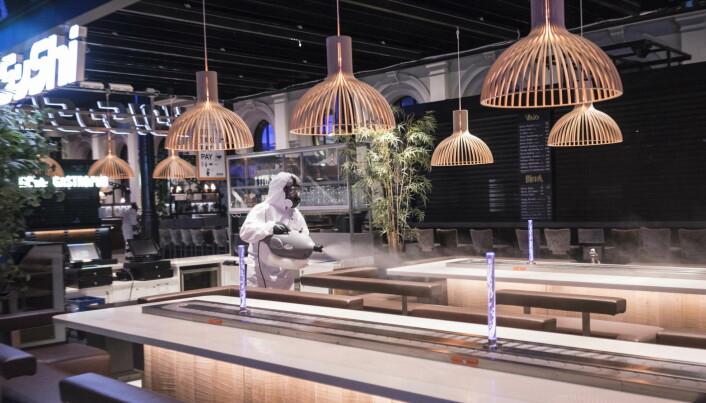«Fogging» av Østbanehallen i Oslo. (Foto: Rentokil Initial)