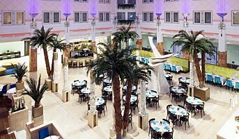 Åpner store konferansehoteller