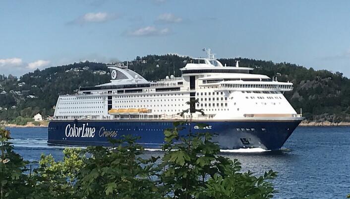 Color Magic går mellom Oslo og Kiel. Ved å åpne grensene til Norden og Tyskland i sommer vil ca. 14 milliarder kroner av omsetningen fra utenlandske turister som kommer sjøveien til Norge sommeren 2020 kunne bli reddet. (Foto: Color Line)
