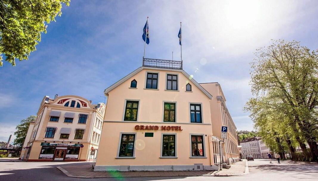 Per Sandberg og kona Bahare Letnes starter hotell i Halden i juni. (Foto: Hotellet)