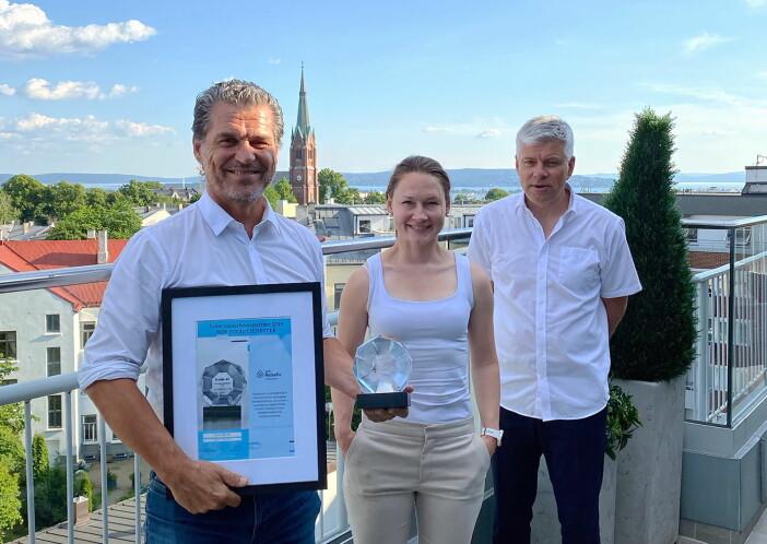 Fra venstre: Henning Brun (Ecolab), Alexandra Buan (kategorisjef i NHO Reiseliv Innkjøpskjeden), Morten Karlsen (direktør for verving og innkjøp i NHO Reiseliv Innkjøpskjeden) (Foto Anna Ellingsen)