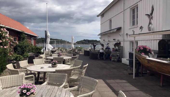 Fra uteserveringen på Risør Hotel. (Foto: Morten Holt)