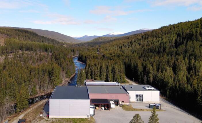 Imsdal-fabrikken like vest for riksvei 3 i østerdalen. (Foto: Imsdal/Ringnes)