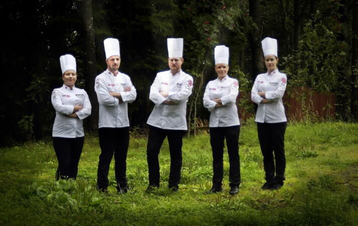 Inger Renathe Østmo (nummer to fra høyre), blir Norges første kvinnelige kaptein på et kokkelandslag. (Foto: Eirik Nilssen, arkiv)