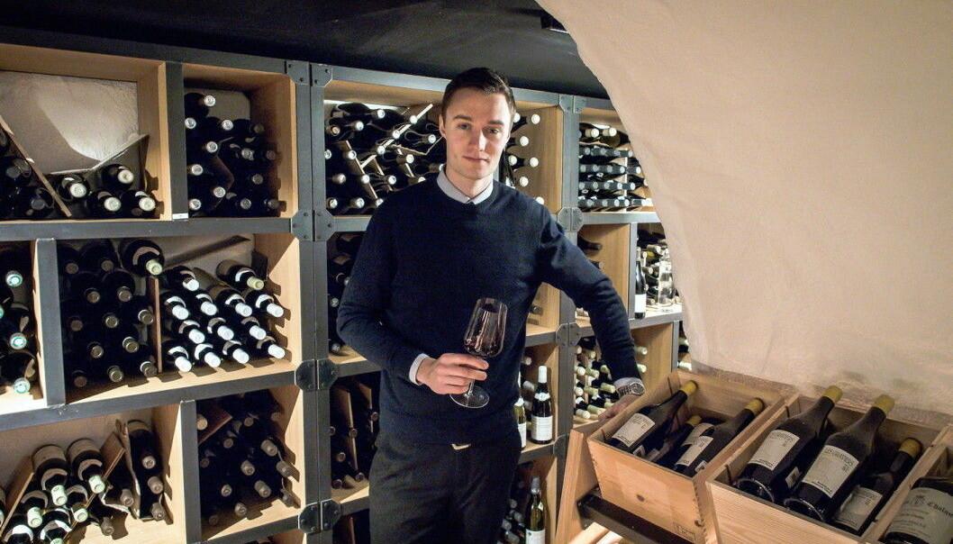 Ole Strangstadstuen Berg er vinsjef i Vinkjelleren på Grand Café. (Foto: Fursetgruppen)