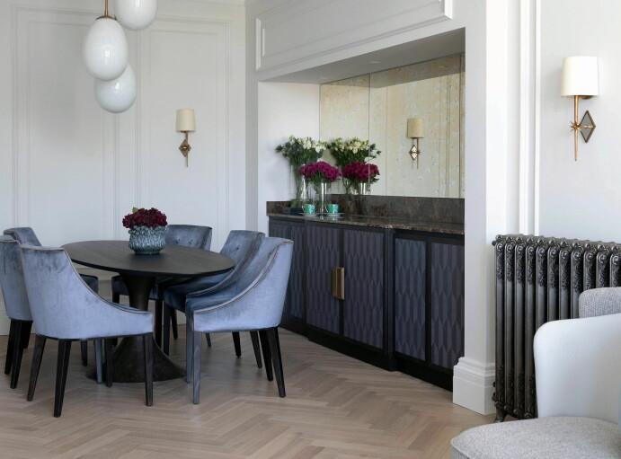 Møblene ble spesialdesignet og produsert til suiten. (Foto: Grand Hotel/Studio Gathe)
