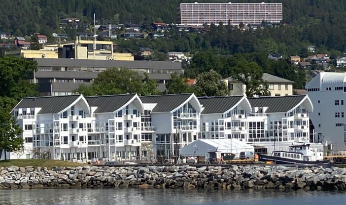Hotell Molde Fjordstuer ligger like ved kaikanten i Molde. (Foto: Morten Holt)