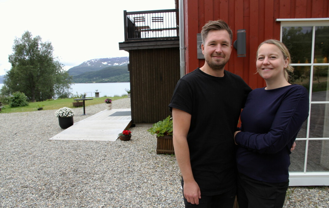 Marius Martinsen og Elise Bratteng Rønning driver Til Elise fra Marius i Utskarpen i Nordland. (Foto: Morten Holt)