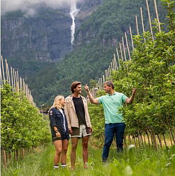 Harald Alvavoll viser hvorfor norsk sider er verdens beste. (Foto: Up Norway)