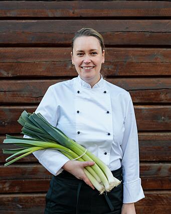 Lokale Ingeborg Valde er kjøkkensjef på Storfjord Hotel. (Foto: Ingallsphoto)