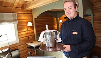 Emil Tennøy er en av mange lokalt rekrutterte ansatte. (Foto: Morten Holt)