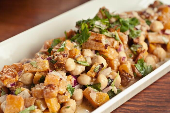 Fruktkjøttet i gresskaret kan brukes til suppe, pai, bakst eller i en salat. (Foto: OFG)