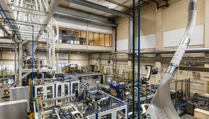 Fra den nye, store produksjonshallen i nybygget på Vestby. (Foto: Thomas Xavier Floyd)
