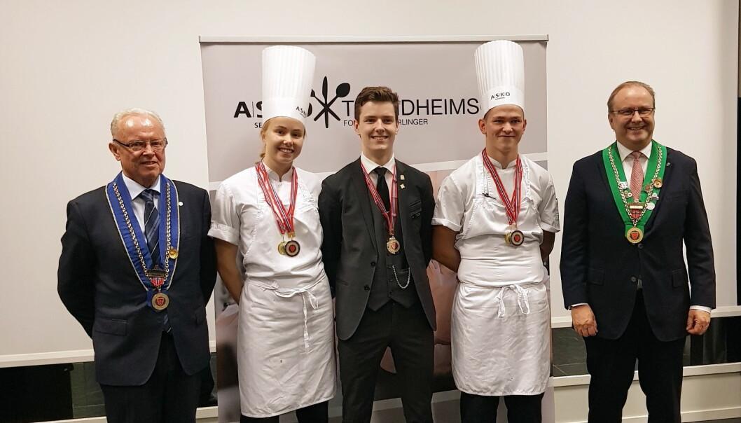 Fra venstre Bjarte Gjerde, Tonje Svee, Tor Espen Ovesen, Simen Lund og Roar Hildonen. (Foto: Privat)