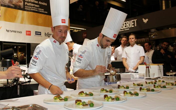 Filip August Bendi under leveringen i Årets kokk 2019, som ga andreplass. (Foto: Heidi Fjelland)