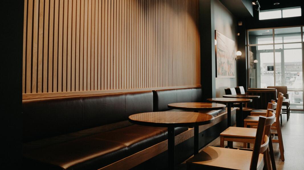 En fersk undersøkelse viser at nordmenn kvier seg for å spise ute. (Foto: Unsplash.com)