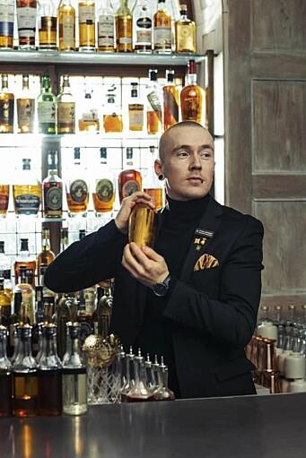 Øyvind Lindgjerdet leder Britannia Bar på Britannia Hotel. (Foto: Britannia Hotel)