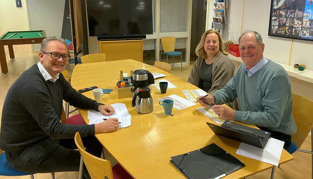 Fra venstre daglig leder for Gyro Conference AS, Tom Erik Hovde, daglig leder for Congress-Conference AS, Mimi Waage Lie og styreleder for Congress-Conference AS, Øyvind R. Lie. (Foto: Anne Guri Sklet)