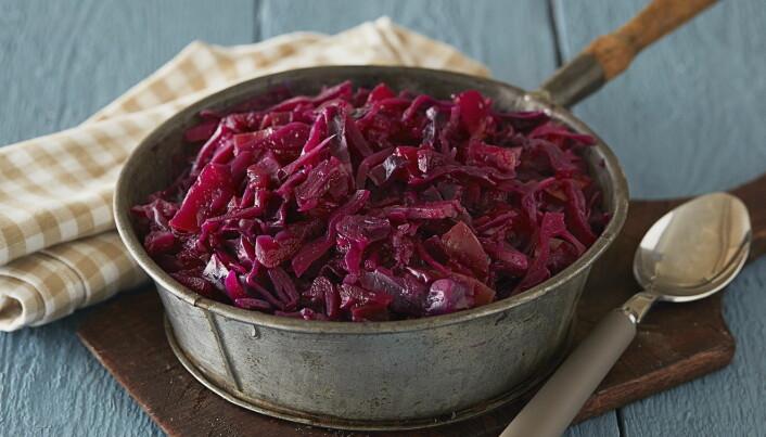 Er du ikke så glad i karve, så kan rødkål være et alternativ. (Foto: Frukt.no)