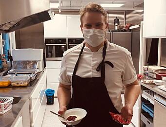 Erik Sebastian Dessen er klar med desserten. (Foto: Rest)
